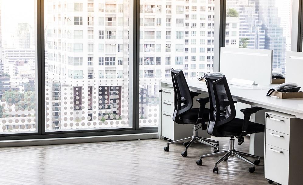 trucchi per la pulizia delle sedie da ufficio