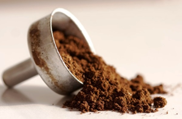 Il fondo di caffè può essere riutilizzato in innumerevoli modi