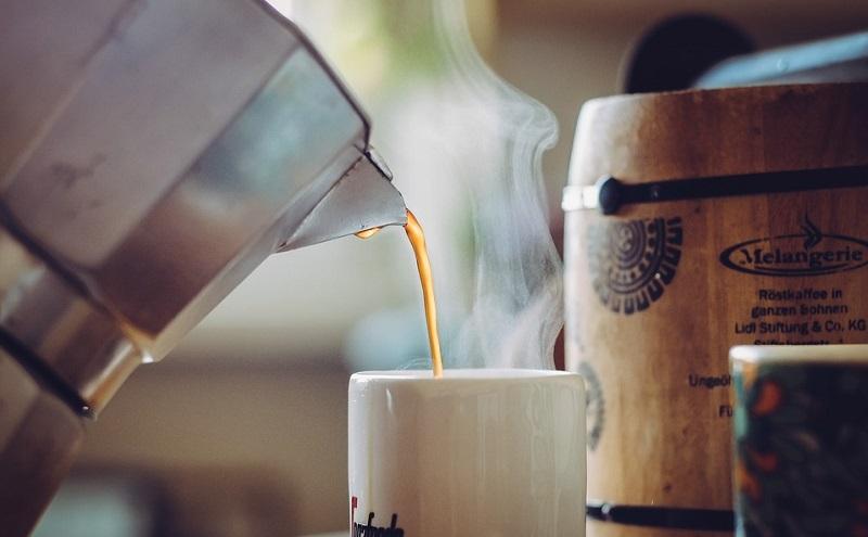 Pulire o non pulire la caffettiera? Scopriamo il segreto di un buon caffè