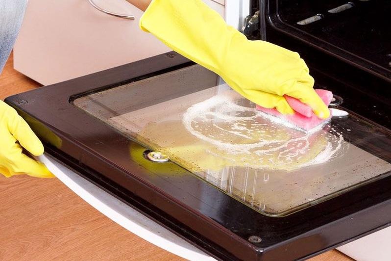 come pulire il forno a casa rimedi naturali