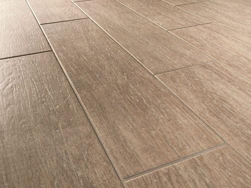 Il gres porcellanato opaco e ruvido è un materiale molto resistente e che tende a non assorbire le macchie.