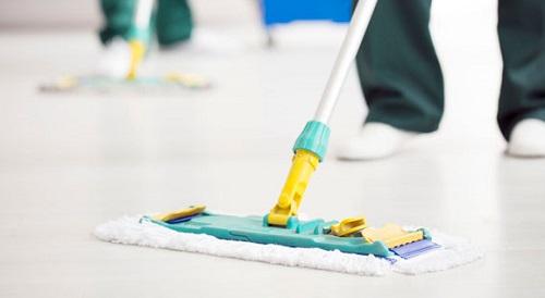 Pulizia, protezione e manutenzione dei pavimenti in resina
