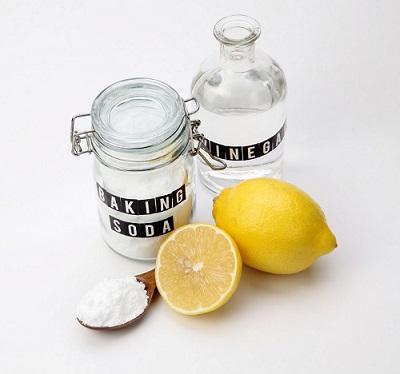 L'utilizzo di prodotti naturali per sbiancare le tende, è un metodo che viene tramandato dalle nostre nonne. Bicarbonato, limone, aceto sono gli sgrassanti e sbiancanti naturali per eccellenza.