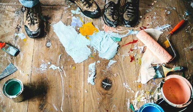 Come togliere vernice pavimento rapido efficace