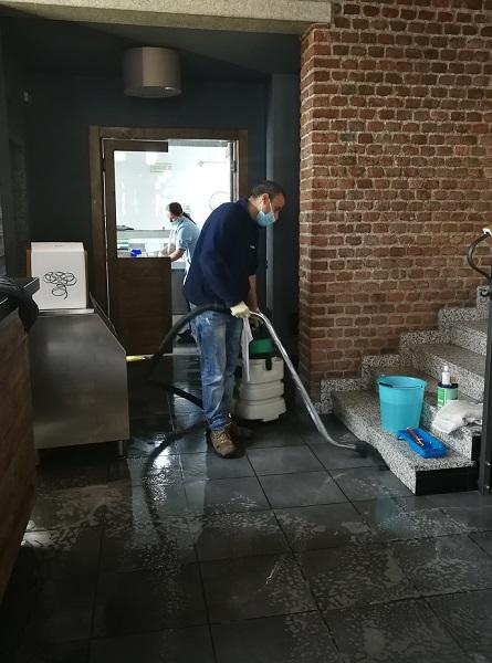 Una corretta igienizzazione necessita di macchine e attrezzature specifiche all'ambiente trattato.